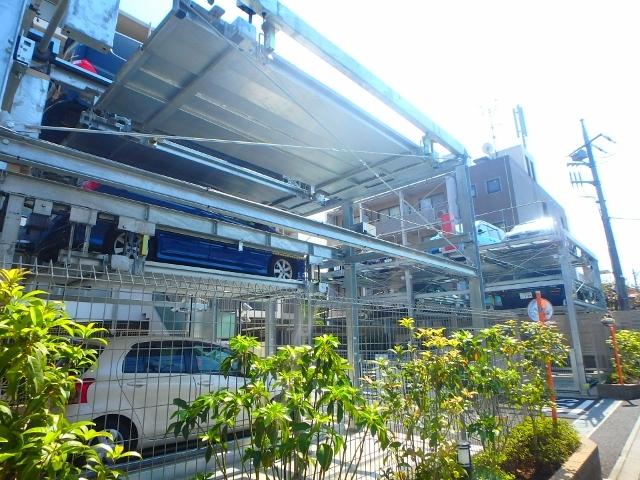 パレステージ稲城駐車場