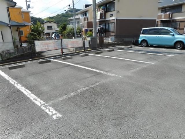 愛甲石田駅 バス11分「愛名入口」徒歩2分駐車場