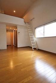 フィオーレ箱崎 : 2階居室