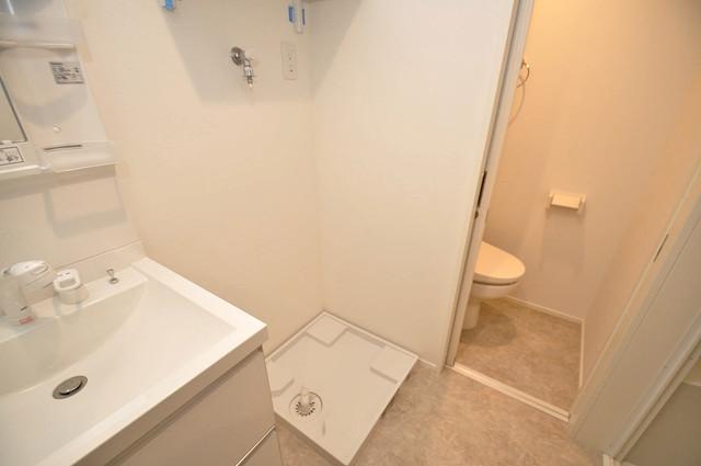 ハーモニーテラス源氏ケ丘 嬉しい室内洗濯機置場。これで洗濯機も長持ちしますね。