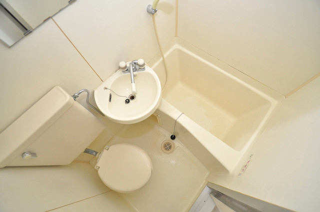 キャピタル今里 シャワー一つで水回りが掃除できて楽チンです