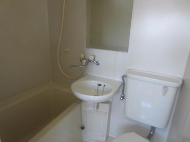小室ビルトイレ