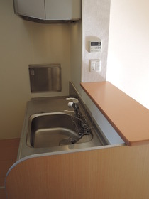 https://image.rentersnet.jp/65d8312584b676c01bbb08b5628c1fa9_property_picture_953_large.jpg_cap_キッチン