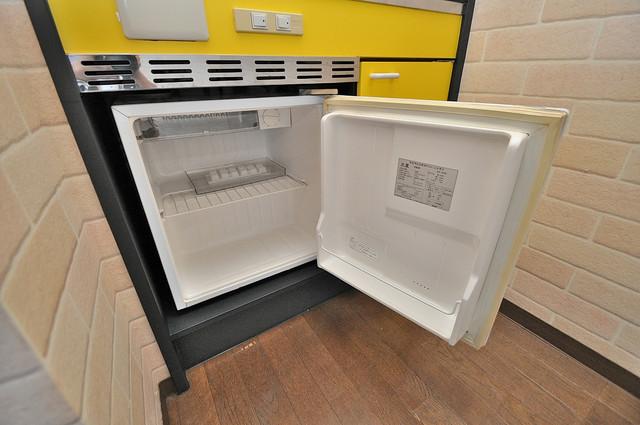トマトハイツ菱屋西 嬉しいミニ冷蔵庫付きです。家電代1つ分浮きましたね。
