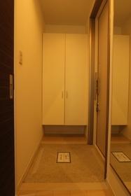 ニューラグンB 201号室