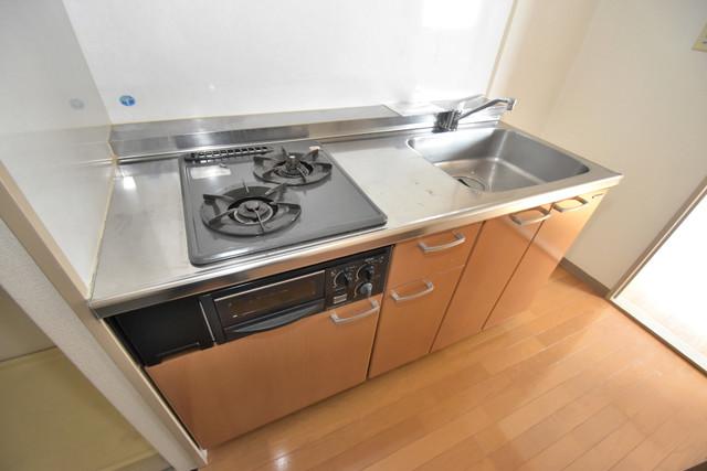 ブルーメンハウス 落ち着いた色合いのキッチン。使い勝手も良いです。