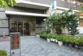 西早稲田駅 徒歩1分エントランス