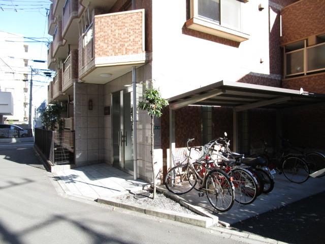 CEREZO セレッソ駐車場