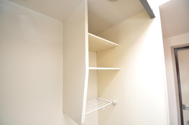 イーストコトブキ コンパクトながら収納スペースもちゃんとありますよ。