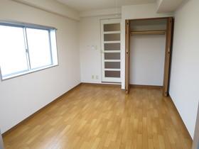 https://image.rentersnet.jp/66e30f2c-7d6f-43f7-9e89-119b2e07bf7d_property_picture_958_large.jpg_cap_居室