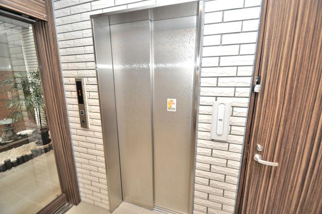 ドルフ今里駅前 嬉しい事にエレベーターがあります。重い荷物を持っていても安心