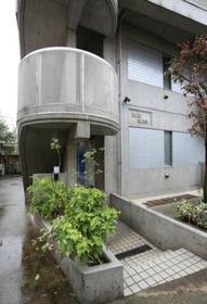 中野坂上駅 徒歩15分エントランス