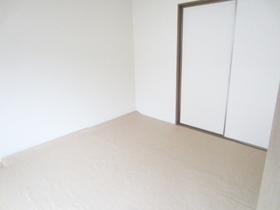 こちらは畳の和室です