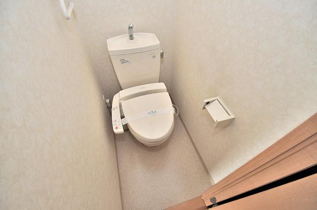 グランデージ長田東 清潔感のある爽やかなトイレ。誰もがリラックスできる空間です。
