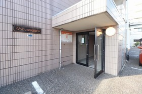 https://image.rentersnet.jp/676327e7-b107-4e66-b612-3ddab4ad2ca3_property_picture_1992_large.jpg_cap_エントランス