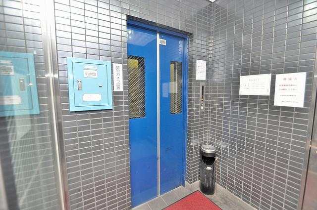 グローリア高井田 嬉しい事にエレベーターがあります。重い荷物を持っていても安心