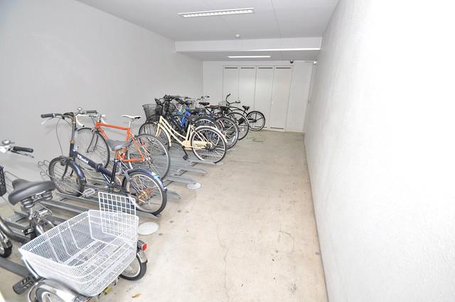 カーサ ヴィヴァーチェ あなたの大事な自転車も安心してとめることができますね。