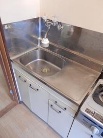 https://image.rentersnet.jp/67a5cb84-4361-4370-8d1c-5185a82163dd_property_picture_953_large.jpg_cap_キッチン
