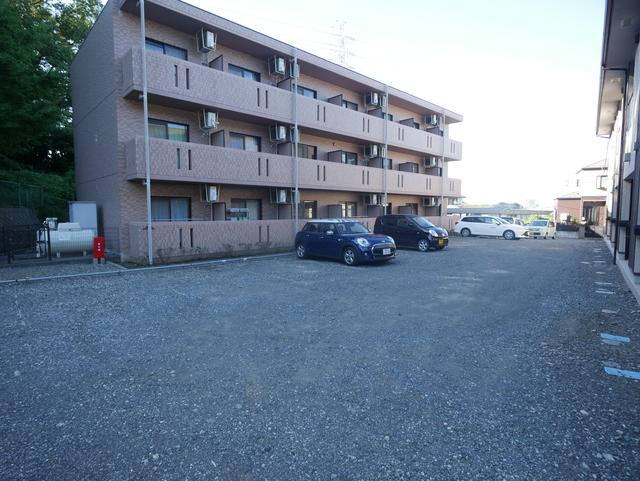 ジュネスキリクボ駐車場