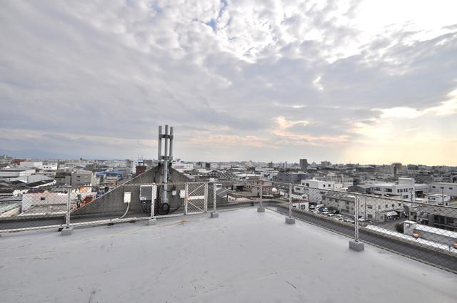 アドバンス渋川 ペントハウス やっぱり最上階からの眺めはいいです。陽当り、風通し共に良好。