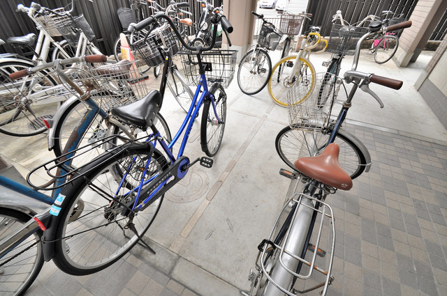 カーサ・デル・ソーレ あなたの大事な自転車も安心してとめることができますね。