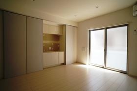 壁面収納・TVボード台付7.9帖洋室
