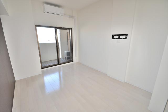 Luxe今里Ⅱ 白を基調とした内装でおしゃれで、落ち着ける空間です。