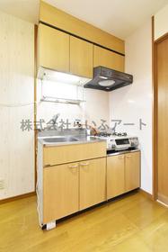メゾン・ド・アイム : 2階キッチン
