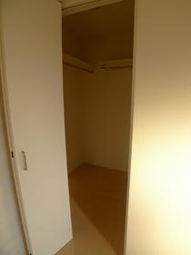メゾンプラージュ 201号室