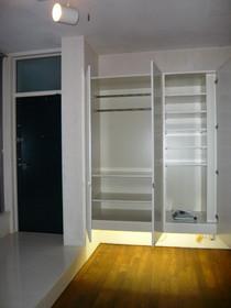 Pal Mare 102号室