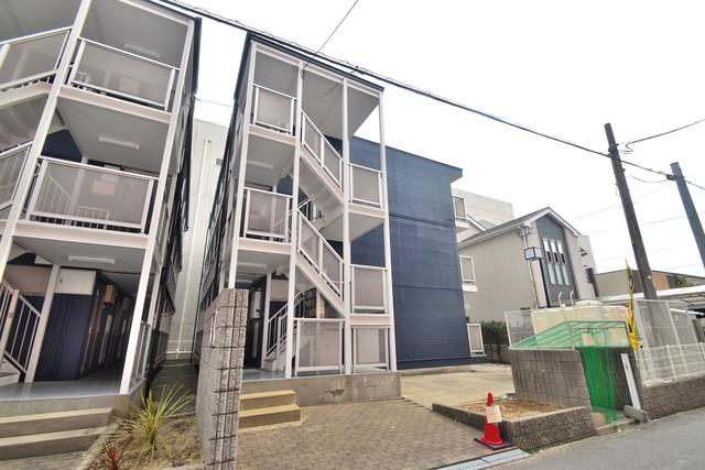 シティーコア高井田Ⅰ どこか懐かしさを感じさせてくれる暖かみのある建物です。