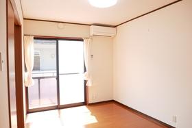 https://image.rentersnet.jp/69999b65-d745-4d9a-b640-eb3f094b0ff8_property_picture_2419_large.jpg_cap_居室