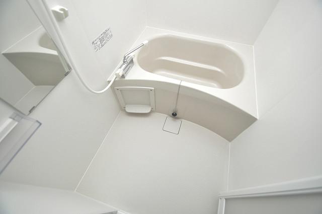 トレノーヴェ南巽 ちょうどいいサイズのお風呂です。お掃除も楽にできますよ。