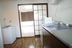 https://image.rentersnet.jp/69e57aea-96a9-4e9e-9a6c-c7190ea32453_property_picture_956_large.jpg_cap_キッチン