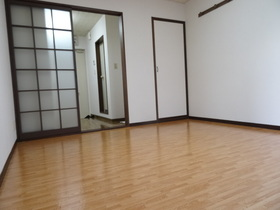https://image.rentersnet.jp/69e77a78-0c09-47b7-9a73-2a5f7146ca51_property_picture_1992_large.jpg_cap_居室