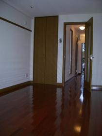 https://image.rentersnet.jp/69f00f7e-ec6a-4d1a-80c1-9344bc2804ff_property_picture_2419_large.jpg_cap_居室