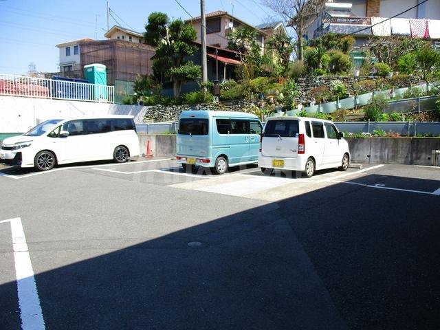 ドミールフジ駐車場