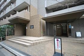 東新宿駅 徒歩4分外観