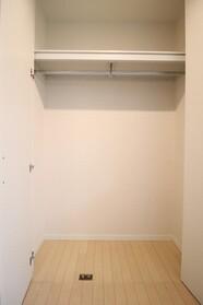 S.court 307号室