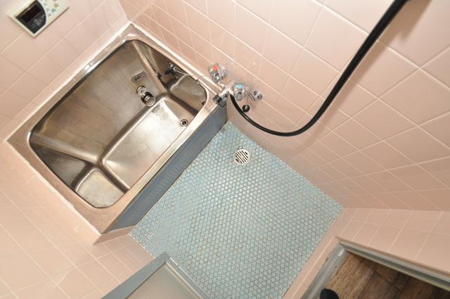 ビーフォレスト尼崎KANNAMI ゆったりサイズのお風呂は落ちつける癒しの空間です。