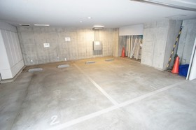 https://image.rentersnet.jp/6a94e37d-feec-4345-b6c3-9b0240cc1f97_property_picture_961_large.jpg_cap_駐車場