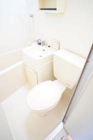 https://image.rentersnet.jp/6a9f0e91-00d6-4c94-b166-71b6ad167a3a_property_picture_962_large.jpg_cap_トイレ