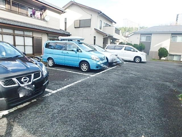 ストークマンション小磯2駐車場