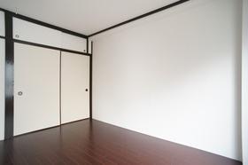 洋室6帖 収納あります