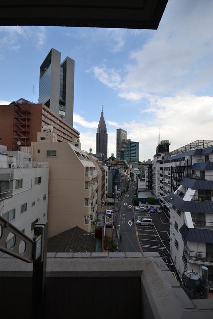 新宿駅 徒歩4分景色