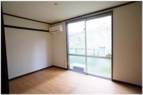 壁・床張替済で綺麗なお部屋です