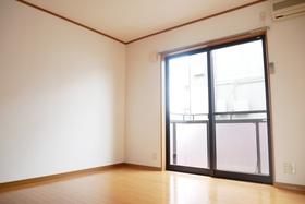https://image.rentersnet.jp/6b7f0fa4-412e-4e99-903e-0504b48edbd9_property_picture_2419_large.jpg_cap_居室