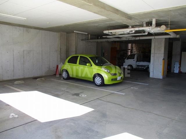 スフレ若葉台駐車場