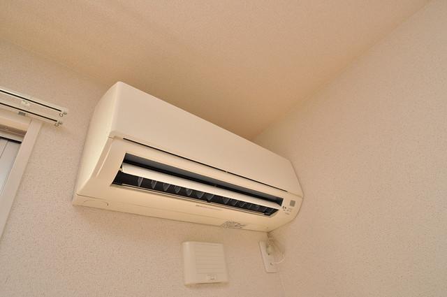 エクレール上小阪 エアコンが最初からついているなんて、本当にうれしい限りです。