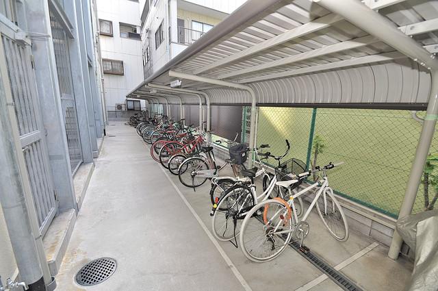 PIANO・FORTE 敷地内にある専用の駐輪場。雨の日にはうれしい屋根つきです。